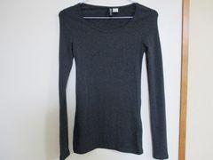 H&M ロンTシャツ 美品!(黒に近いグレー)1回のみ着用