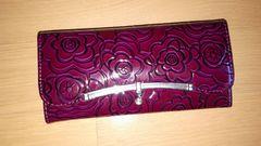 新品 花柄とライトンストーンが綺麗なエナメル長財布