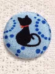 花簪可愛い猫の帯留め&ブローチ黒猫ちゃん/水色バージョン