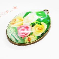 27*�@スタ*大きなガラスカボション金属チャーム 薔薇 46