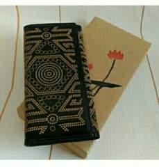 レザー 本革 刺繍 運気アップ 図柄 3つ折 長財布