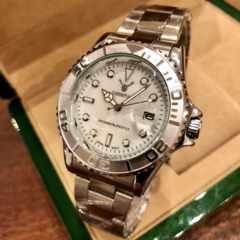 最安値★ロレックス・ヨットマスタータイプ◇クォーツ メタル腕時計・シェル白×シルバー