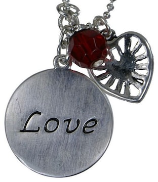 LOVEプレートネックレス
