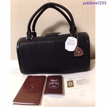 定価150.000円.本物JRA.ヨシキリ鮫.本革皮.ハンドバッグ.黒