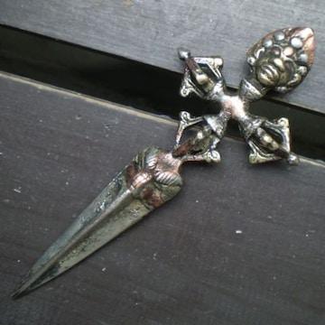 真鍮・銅・白銅製 プルパ ヴァジュラ・キーラ 15.2cm 密教法具