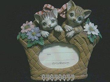 猫好きな方に…2匹*ねこチャン★豪華★樹脂製<表札.ネームプレート>