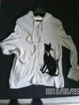 アンティーク風デザインベロア黒猫パッチ付長袖パーカー