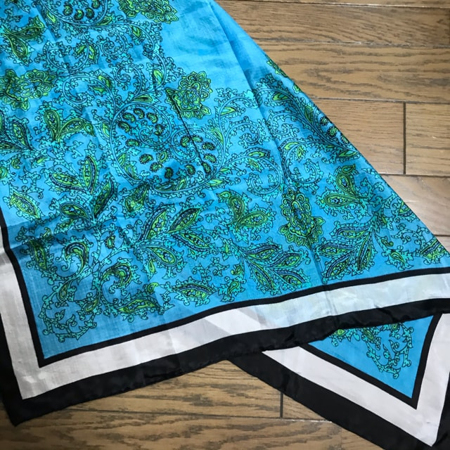 鮮やか青×緑カラー ペイズリー柄スカーフ