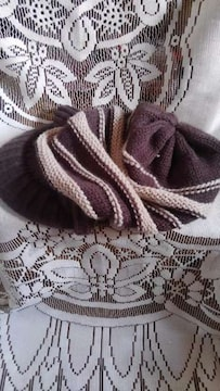 �B毛糸の帽子