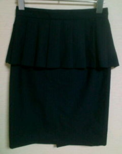 used美品「kariang」スーツ生地*ピンストライプ*ペプラムスカート