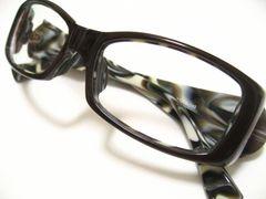 超人気.charmant.シャルマンのコルノ2ツートーンのスクエアセルフレーム伊達眼鏡レンズ入り