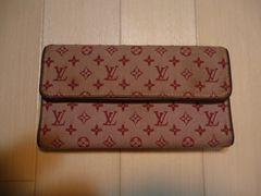 ルイ・ヴィトンのモノグラムミニの三つ折り長財布