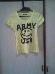黄色Tシャツ