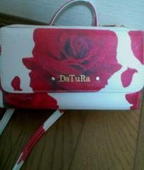 used美品「DaTuRa」薔薇柄*ストーン付ラウンドジップ財布大容量