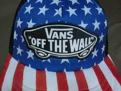 バンズ【Vans】アメリカ国旗カラー スケボーロゴワッペン付CAP