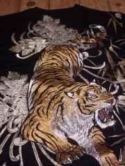 ☆新品[絡繰魂 粋]猛虎 刺繍 半袖Tシャツ スカジャン好きにも