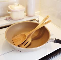 ★料理が楽しくなるフライ返し ハワイアンプルメリア 調理器具