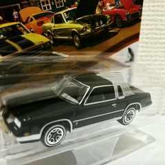 JL/'84 Oldsmobileオールズ Cutlassカトラス 1/64 gボディ