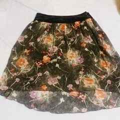 アルカリ*黒花柄フレアースカート