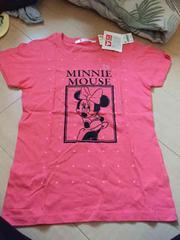 新品未使用タグ付きユニクロミニーTシャツ