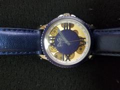 ドルガバ時計 青色?