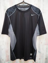 ナイキ プロコンバットコアハイパークール半袖Tシャツ XL/黒