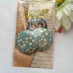 ハンドメイド ヘアゴム 特大 くるみボタン ツイン ナチュラル 花