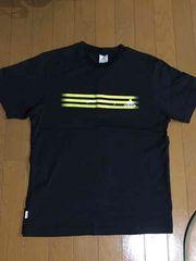 adidas アディダス Tシャツ ブラック Mサイズ 裏は日本語ロゴ