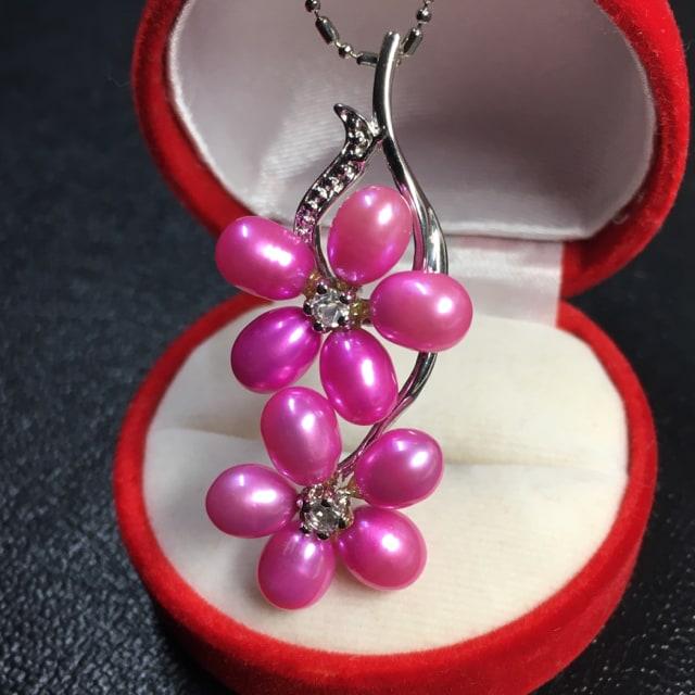 pt プラチナ 本物真珠 桜形 ネックレス ペンダント ピンク  < 女性アクセサリー/時計の
