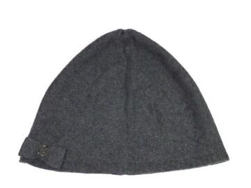 正規新品同様シャネルニット帽ココマークリボンカシミヤ灰色CH