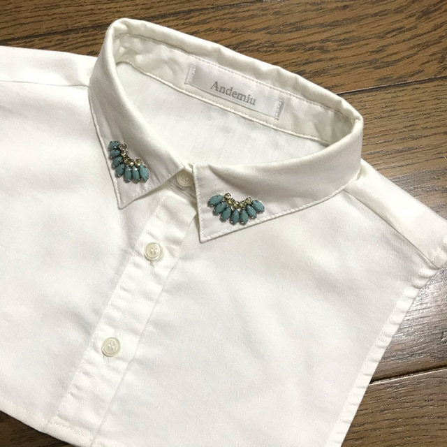 アンデミュウAndemiu ビジュー付ホワイト白色付け襟 < ブランドの