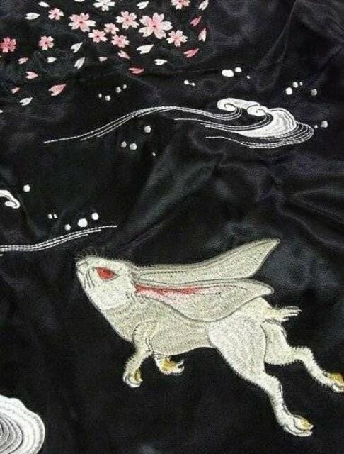 花旅楽団/兎/スカジャン/黒/3rsj-037/ジャパネスク/サトリ < 男性ファッションの