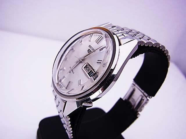 送料込 SEIKO セイコー5 自動巻 腕時計 ヴィンテージ 5126-8060★dot < ブランドの