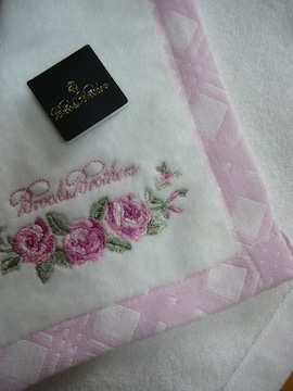 ブルックスブラザーズ 白タオルハンカチ薔薇刺繍