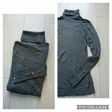 H&M 袖ボタンタートルネックニット サイズXS