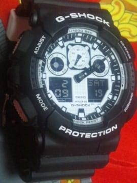 カシオG-SHOCKビックケース腕時計GA-100BWブラック×ホワイトモノトーン美品