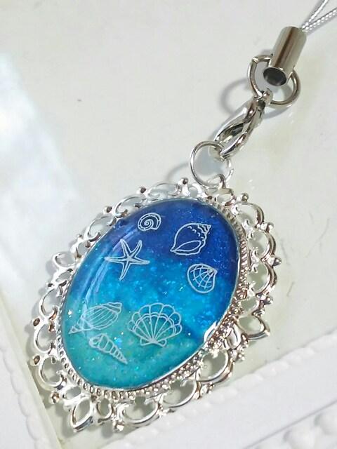 ☆夏の新作☆ヒトデや貝の海の青と水色のストラップ  レジン < 女性ファッションの