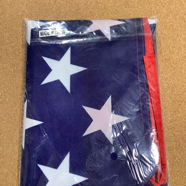 アメリカの国旗 星条旗 横幅 約150cm〜160cm 縦幅 約90〜95cm < レジャー/スポーツの