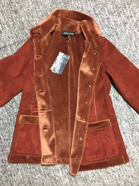 INTELLECTION アーモンド色 ボアパイル地 ジャケットコート < 女性ファッションの
