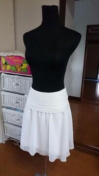 美品☆ホワイト☆スカートSサイズ