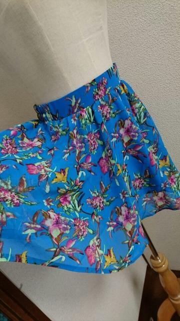 新品☆JURIANOJURRIE☆ブルー花柄☆フレアミニスカート < ブランドの