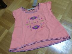 新品タグ付き☆グローバルワーク☆ネイティブ刺繍Tシャツ☆S