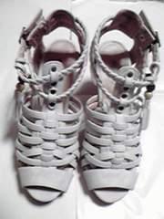 新品未使用かわかっこいい靴