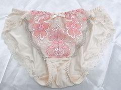 トリンプ★ゴージャス刺繍sexy フルバック薄pink 〜(///ω///)♪