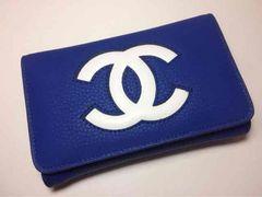 CHANEL 中財布 バイカラー 青×白 デカロゴ キャビアスキン