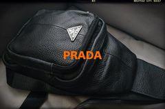 PRADA italy本革製品Wファスナー黒斜め掛けショルダーバッグ