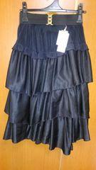 �H黒のスカート