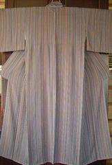 唐浅留縞紋様の 袷のお着物