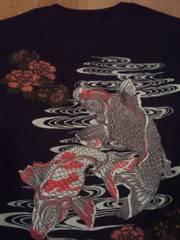 ☆新品[豊饒天下]3連ポケット鯉刺繍 半袖Tシャツ スカジャン好きにも