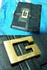 GUCCI†GG柄二つ折財布†Gプレート付き†中古